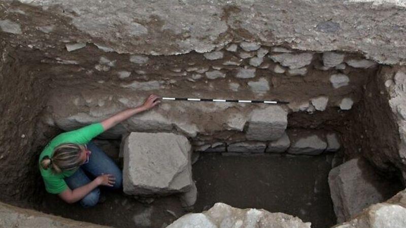 https: img.okezone.com content 2021 02 06 18 2357600 masjid-tertua-di-dunia-ditemukan-di-israel-dibangun-pada-abad-ke-7-5UzIO4MeXz.jpg