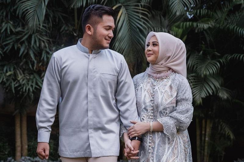 https: img.okezone.com content 2021 02 06 33 2357675 menikah-besok-kesha-ratuliu-gelar-siraman-NnPPKKh20C.jpg