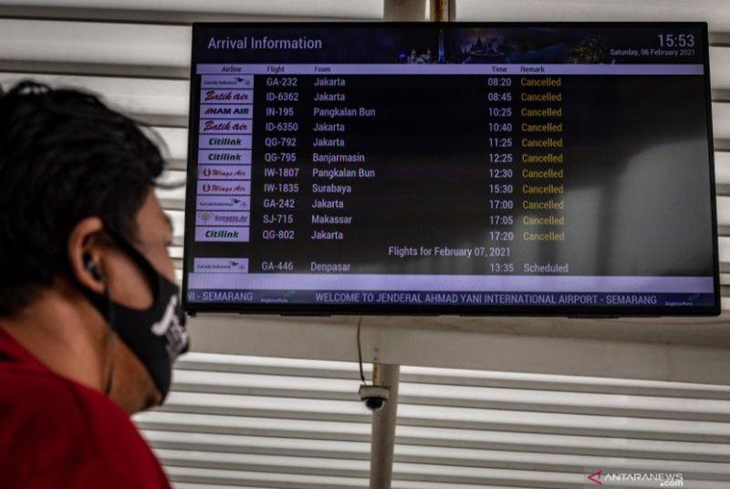 https: img.okezone.com content 2021 02 06 512 2357785 21-penerbangan-terdampak-banjir-di-bandara-semarang-umfwFWHQSr.jpg