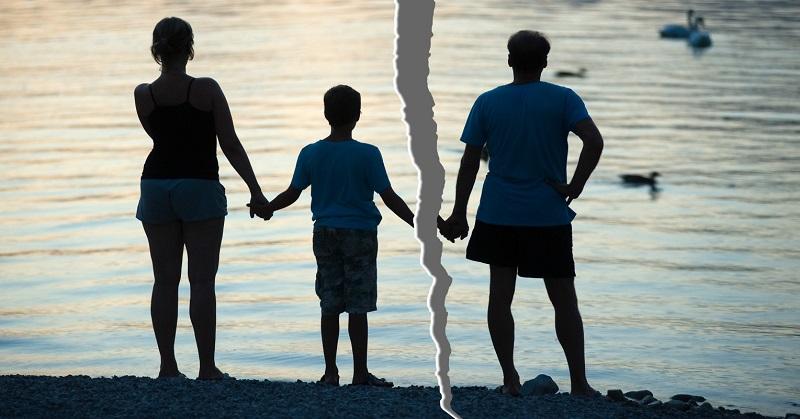 https: img.okezone.com content 2021 02 06 612 2357748 suami-selingkuh-haruskah-bertahan-demi-anak-PTsjvpY60N.jpg
