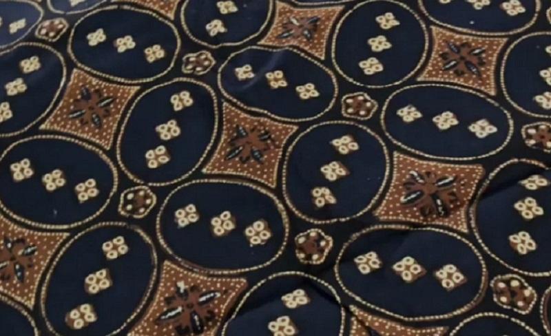 https: img.okezone.com content 2021 02 07 194 2357960 terungkap-motif-batik-kawung-memiliki-makna-mendalam-Tk80XecMGg.jpg