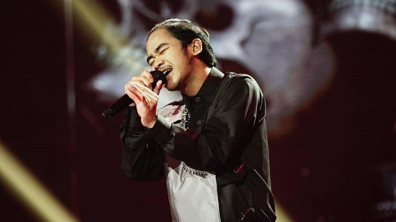 https: img.okezone.com content 2021 02 08 598 2358824 azhardi-buka-indonesian-idol-dengan-mirasantika-judika-luar-biasa-bikin-kita-happy-vrYWR3IZSC.jpg