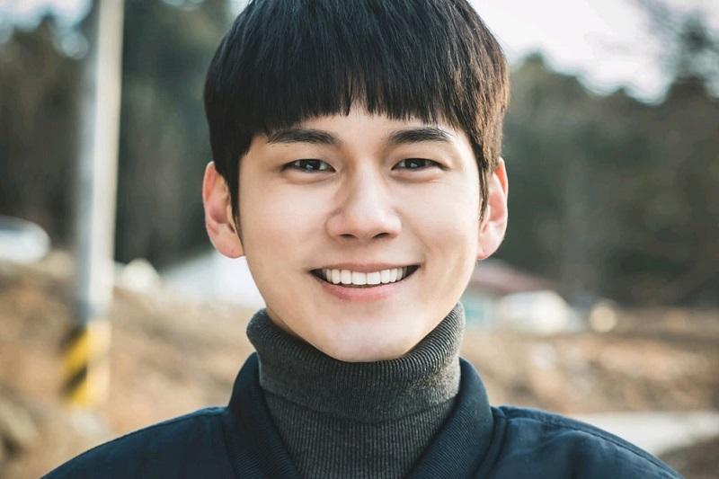 https: img.okezone.com content 2021 02 09 206 2359468 ong-seong-wu-gabung-film-baru-ryu-seung-ryong-dan-park-hae-joon-y02ztbTs06.jpg