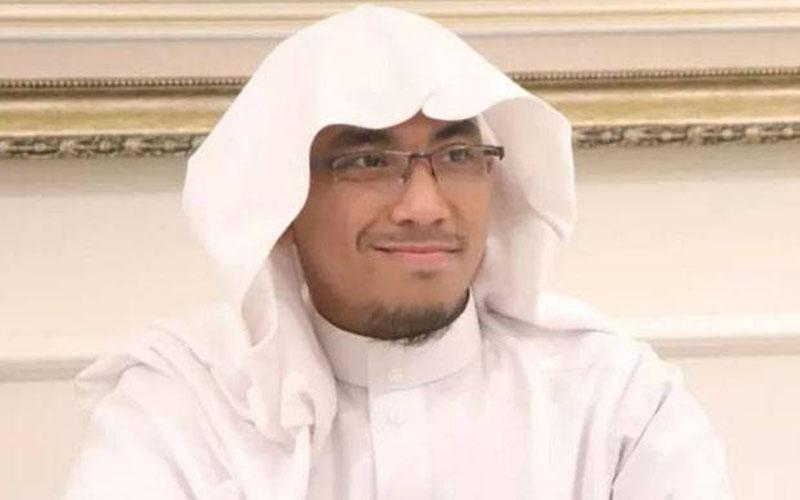 https: img.okezone.com content 2021 02 09 330 2359018 ustaz-maheer-meninggal-uym-kenang-telepon-terakhir-husnul-khotimah-AF78GC9q1A.jpg