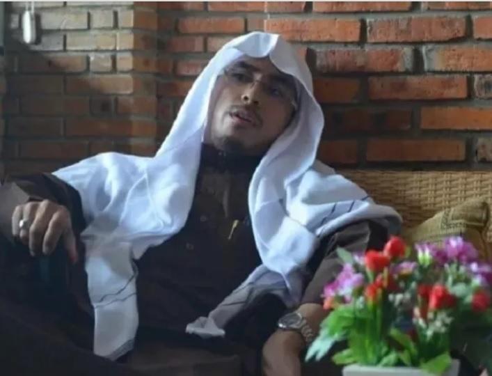 Ustadz Maaher Dimakamkan Di Pondok Pesantren Milik Yusuf Mansur Okezone Nasional
