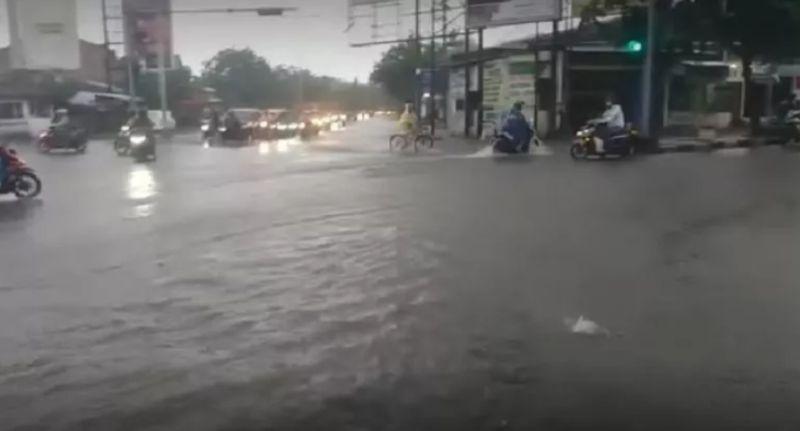 https: img.okezone.com content 2021 02 09 512 2359303 semarang-banjir-dosen-kelautan-undip-beberkan-sederet-faktor-penyebabnya-dBPDgqvmhr.jpg