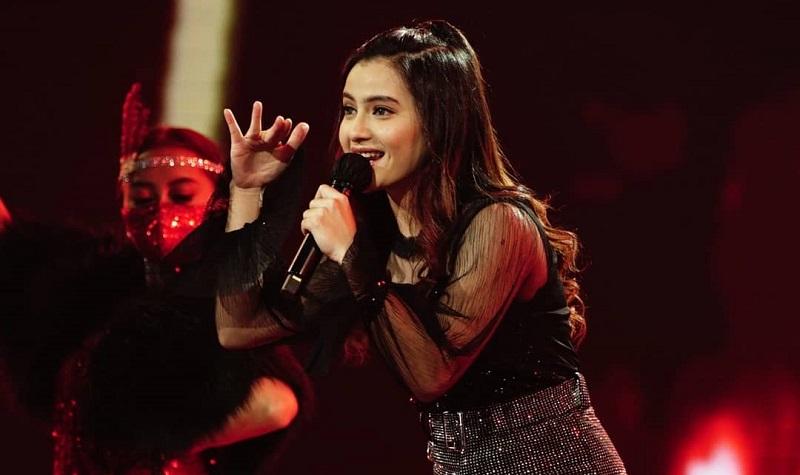 https: img.okezone.com content 2021 02 09 598 2358865 femila-nyanyikan-lagu-kopi-dangdut-di-indonesian-idol-anang-hermansyah-beri-pujian-DLGZix4QZ7.jpg