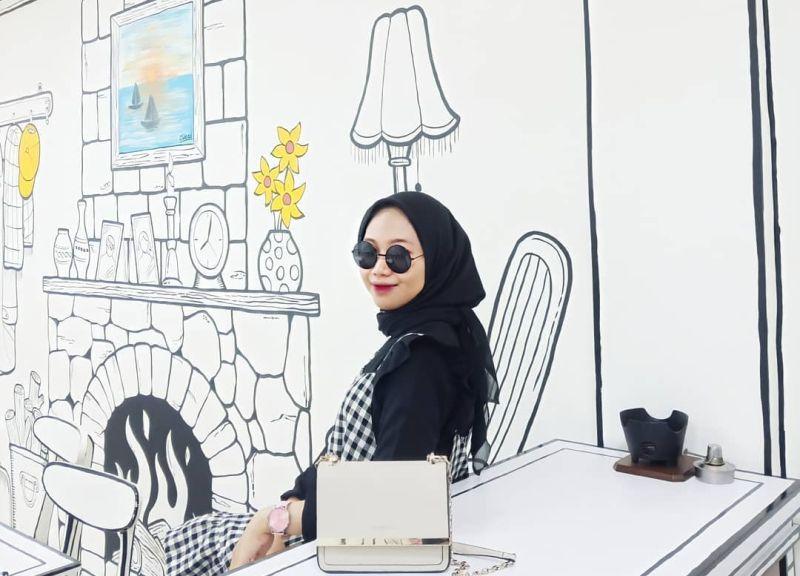 https: img.okezone.com content 2021 02 10 301 2360078 instagramable-kafe-2d-ini-bikin-pengunjung-serasa-di-dunia-komik-757LfHCwb0.jpg