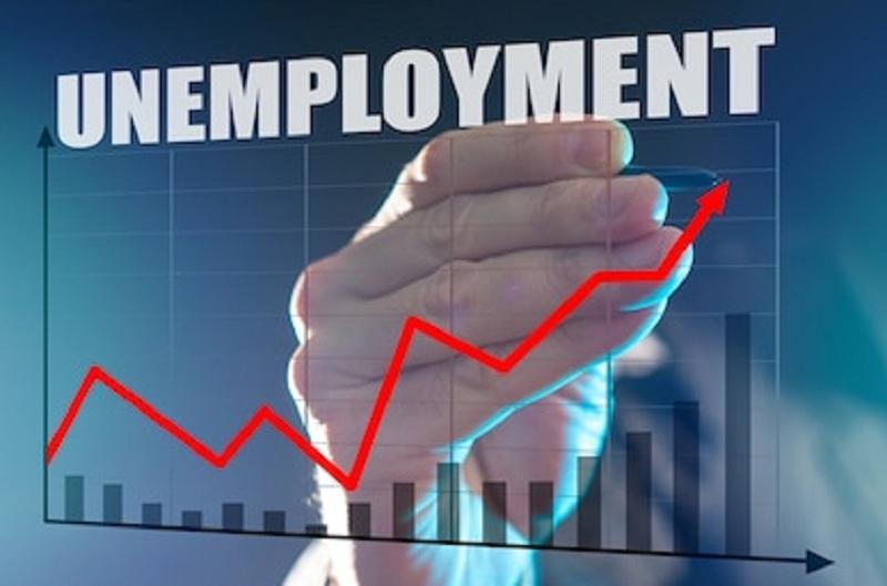 https: img.okezone.com content 2021 02 10 320 2359959 duh-2-56-juta-orang-jadi-pengangguran-baru-di-indonesia-M29RJJPrNw.jpg