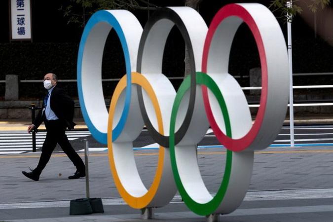 https: img.okezone.com content 2021 02 10 43 2359542 atlet-dilarang-berpelukan-atau-tos-di-olimpiade-tokyo-iNXGjpUaf0.jpg