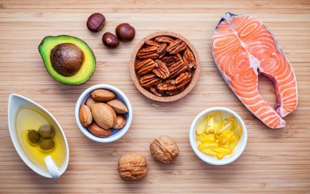 https: img.okezone.com content 2021 02 11 481 2360132 ini-5-makanan-sumber-lemak-baik-cocok-dikonsumsi-setiap-hari-NOpDBs0eg0.jpg