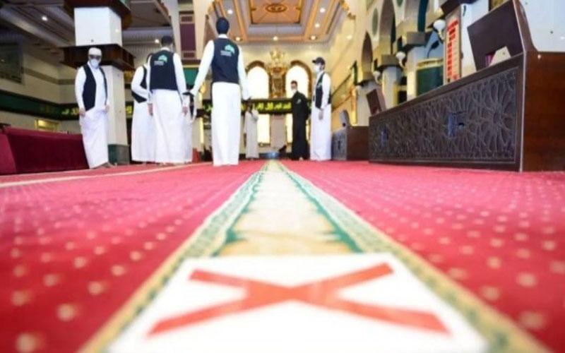 https: img.okezone.com content 2021 02 11 614 2360638 masjid-di-arab-saudi-ditutup-lagi-kasus-covid-19-melonjak-0zt3lHEb4p.jpg