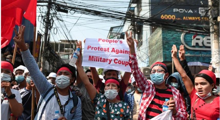 https: img.okezone.com content 2021 02 12 18 2360927 jenderal-yang-mengudeta-militer-myanmar-pns-kembali-bekerja-atau-tindakan-efektif-Qwl8cRr9MR.jpg
