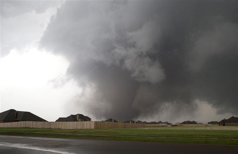 https: img.okezone.com content 2021 02 12 18 2361090 tornado-terjang-kota-resor-turki-setidaknya-16-terluka-D8pOlbzVfF.jpg