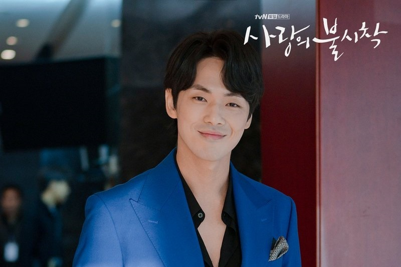 https: img.okezone.com content 2021 02 12 206 2361188 kim-jung-hyun-isi-soundtrack-drama-mr-queen-KF3i8WCraY.jpg