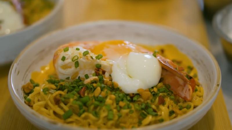 https: img.okezone.com content 2021 02 12 298 2361077 resep-mie-instan-ala-chef-arnold-katanya-lebih-enak-dari-buatan-warkop-pd6kob20bh.jpg