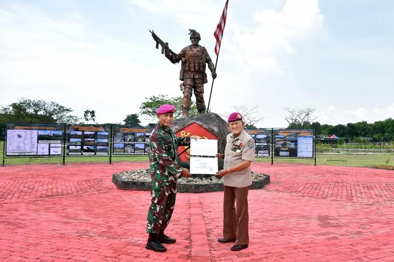 https: img.okezone.com content 2021 02 12 337 2361015 kisah-prajurit-elite-tni-al-keturunan-tionghoa-bikin-takjub-tentara-inggris-saat-konfrontasi-malaysia-UMfYb8HL7H.jpg