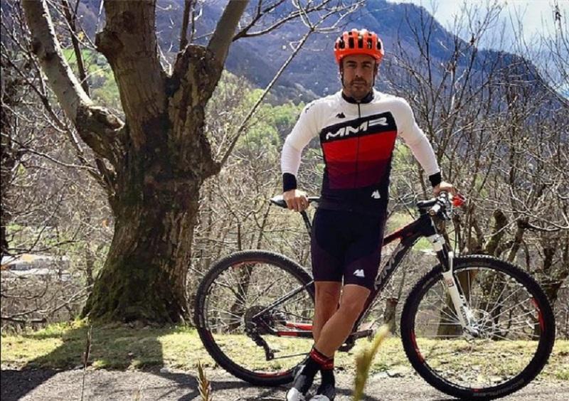 https: img.okezone.com content 2021 02 12 37 2360891 fernando-alonso-alami-kecelakaan-sepeda-di-swiss-pHjbmM4HK1.jpg