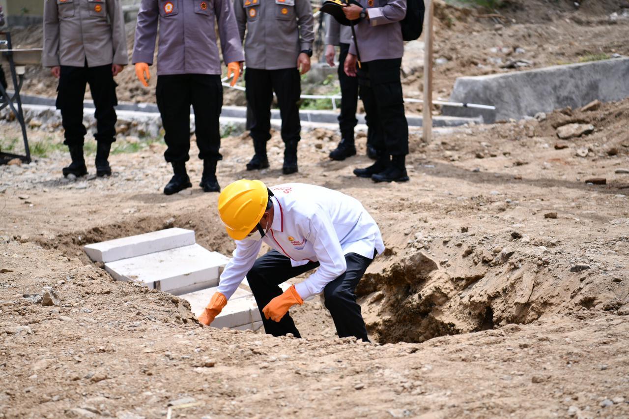 https: img.okezone.com content 2021 02 12 609 2360977 gubernur-sulsel-bangun-100-unit-hunian-tetap-untuk-korban-gempa-mamuju-scEzQPEbzd.jpg