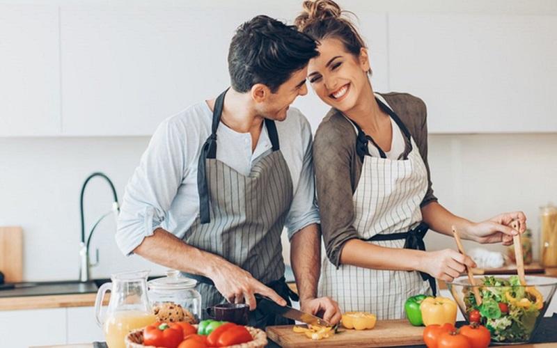 https: img.okezone.com content 2021 02 12 612 2361030 jadikan-hari-valentine-dengan-pasangan-berkesan-dengan-3-ide-ini-gnf3tpUh6R.jpg
