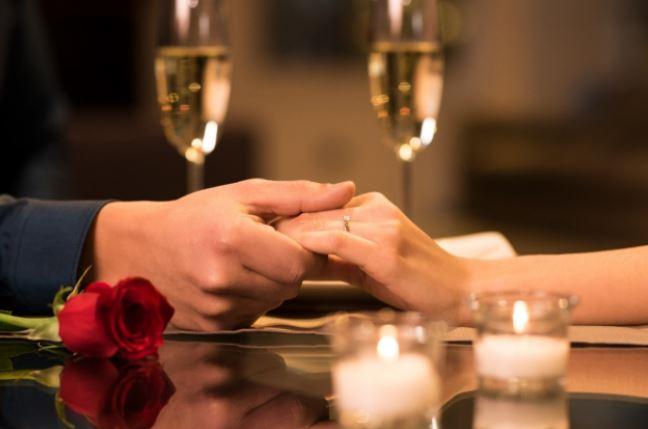 https: img.okezone.com content 2021 02 13 406 2361588 rekomendasi-promo-hotel-romantic-dinner-di-lido-lake-resort-by-mnc-hotel-ini-kontak-reservasinya-u40mR5XbR5.JPG