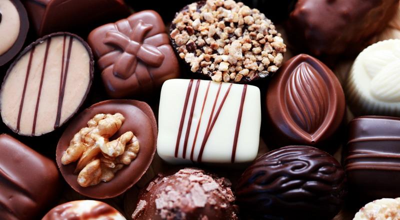 https: img.okezone.com content 2021 02 13 455 2361292 hari-valentine-penjualan-buket-cokelat-laris-manis-hingga-40-BdDHoo8jv0.jpg
