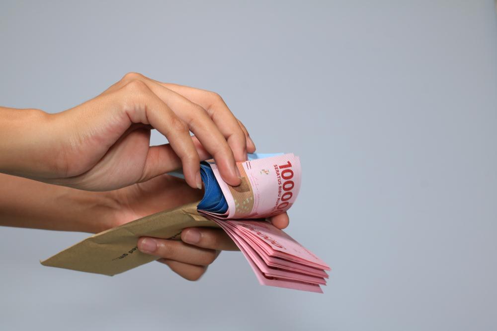 https: img.okezone.com content 2021 02 13 622 2361295 pentingnya-dana-darurat-investasi-jangka-panjang-hingga-biaya-renovasi-rumah-KH9ajVB0Q5.jpeg