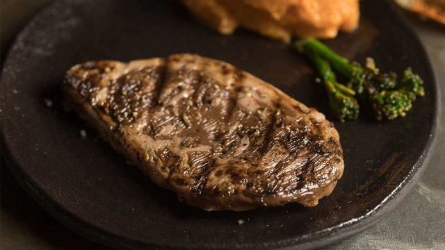 https: img.okezone.com content 2021 02 14 298 2361665 luar-biasa-steak-iga-ini-dibuat-dengan-teknologi-3d-ZHXDgXf5qm.jpg