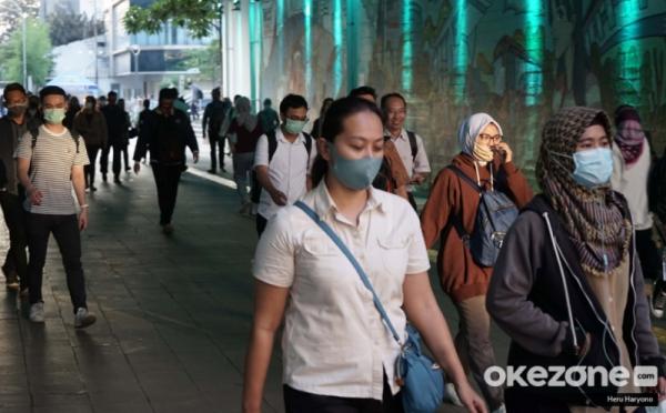 https: img.okezone.com content 2021 02 14 337 2361901 satgas-ungkap-28-provinsi-tingkat-kepatuhan-memakai-masker-di-bawah-85-UVUwuqWl8t.jpg