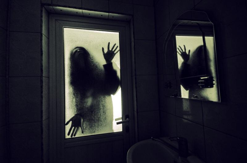 https: img.okezone.com content 2021 02 14 406 2361774 pengalaman-horor-pramugari-diganggu-suara-anjing-merintih-di-kamar-hotel-m1ybTXvWAe.jpeg