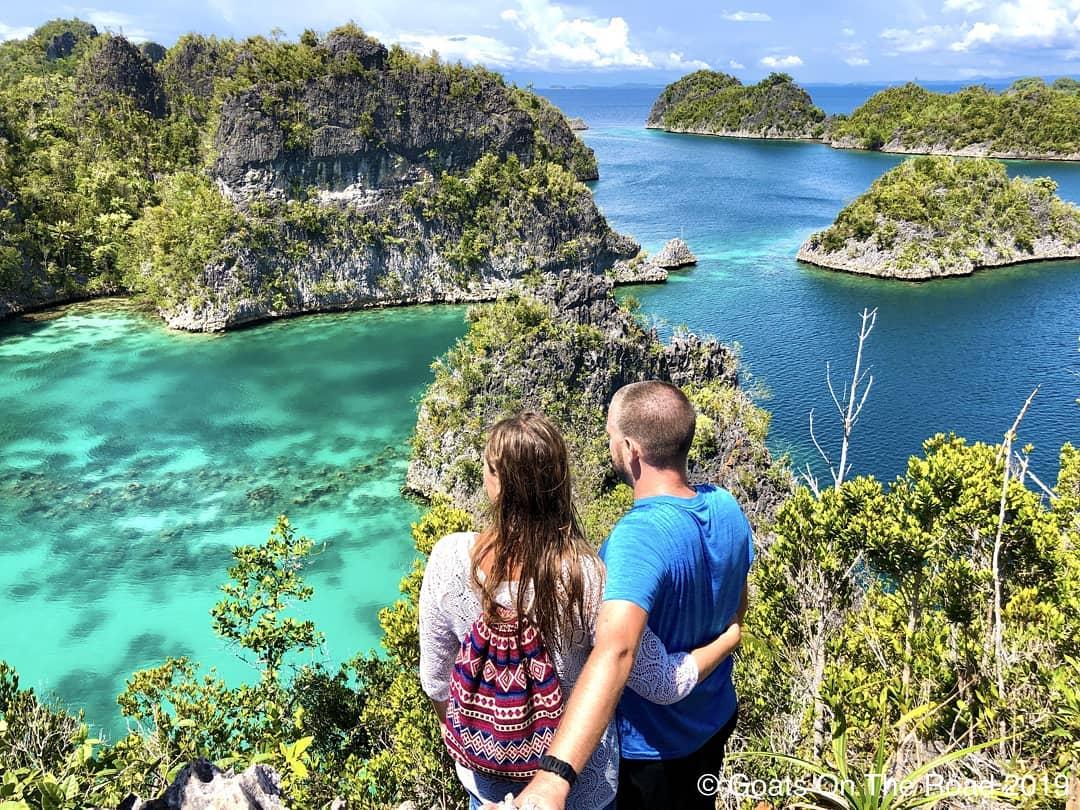 https: img.okezone.com content 2021 02 14 408 2361720 valentine-s-day-ini-5-destinasi-romantis-di-indonesia-untuk-dinikmati-bersama-pasangan-oy0gDZQWmy.jpg