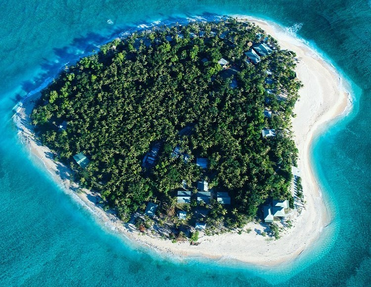 https: img.okezone.com content 2021 02 14 408 2361848 6-pulau-alami-berbentuk-love-cantik-banget-ZSZzVZalx2.jpg
