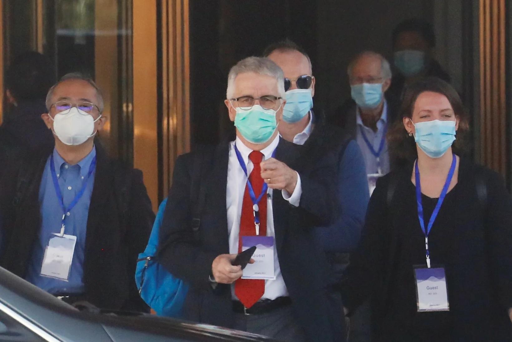 https: img.okezone.com content 2021 02 15 18 2361999 china-tolak-berikan-data-awal-covid-19-ke-tim-who-yang-menyelidiki-asal-usul-pandemi-UzQguyUQbJ.jpg