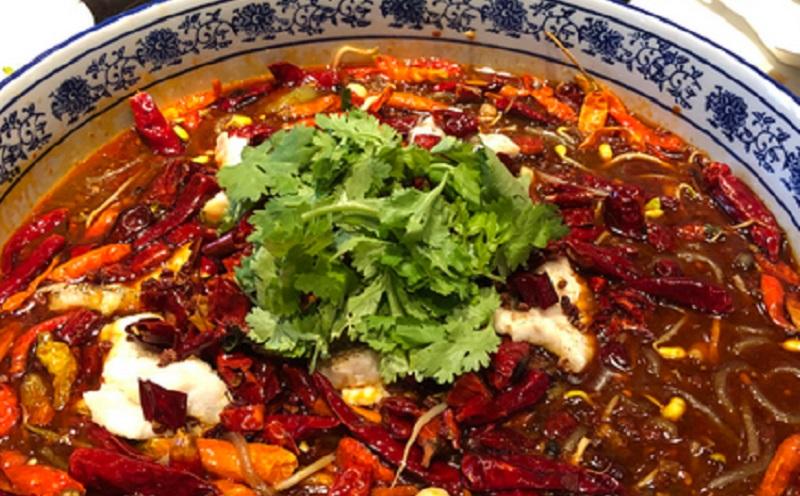 https: img.okezone.com content 2021 02 15 298 2362228 5-manfaat-mengonsumsi-makanan-pedas-spicy-food-lover-wajib-baca-B5heuavoBk.jpg