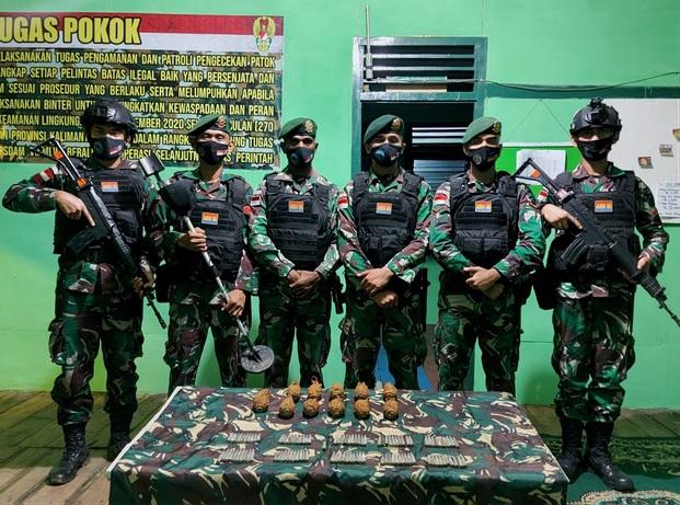 https: img.okezone.com content 2021 02 15 337 2362235 56-tahun-terkubur-granat-dan-amunisi-tentara-gurkha-saat-bertempur-di-indonesia-ditemukan-j7LGUOnnWY.jpg