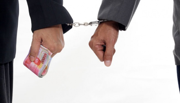https: img.okezone.com content 2021 02 15 337 2362572 korupsi-proyek-pupr-bupati-muara-enim-terima-commitment-fee-rp4-miliar-FFoRvfPIQL.jpg