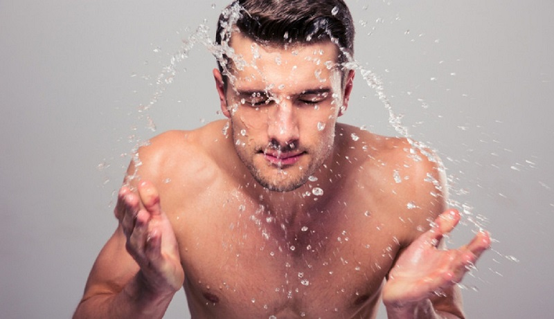https: img.okezone.com content 2021 02 15 611 2362491 guys-yuk-lawan-jerawat-dengan-3-face-wash-ini-vZSnzNNzDi.jpg