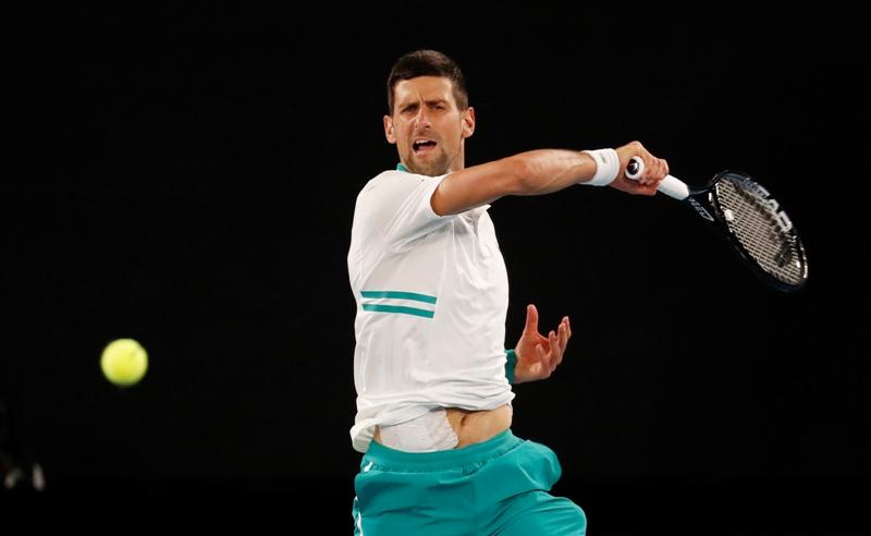 https: img.okezone.com content 2021 02 15 620 2361970 thiem-tersingkir-djokovic-dan-osaka-maju-ke-perempatfinal-australia-open-2021-qnrxt2gKIg.JPG