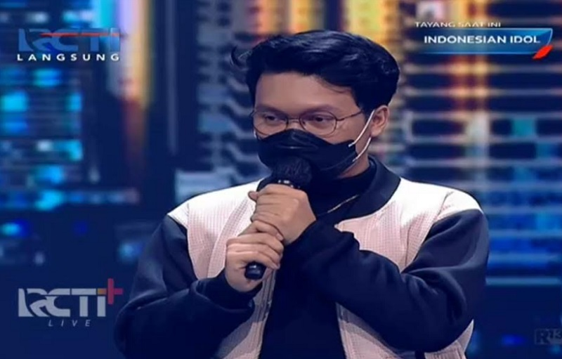https: img.okezone.com content 2021 02 16 598 2362627 kelvin-joshua-tersisih-dari-indonesian-idol-special-season-dSNmgAfZEZ.jpg
