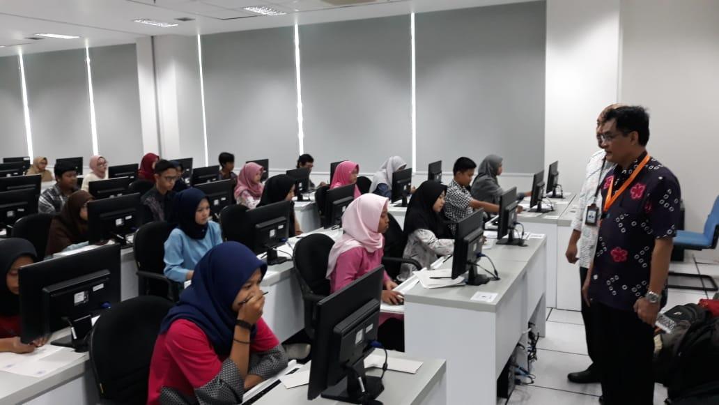 https: img.okezone.com content 2021 02 16 65 2363087 jumlah-siswa-eligible-snmptn-2021-meningkat-20-sCOuZpgCkI.jpg