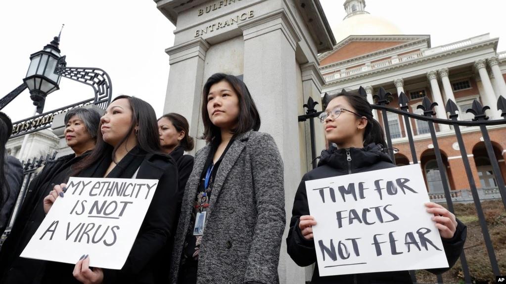 https: img.okezone.com content 2021 02 17 18 2363340 serangan-terhadap-warga-keturunan-asia-melonjak-ratusan-warga-as-protes-sqoKaQRmmf.jpg