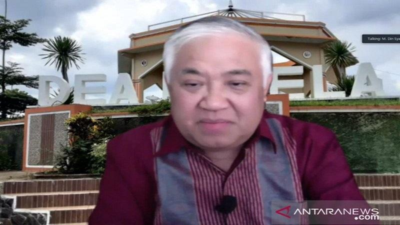 https: img.okezone.com content 2021 02 17 337 2363334 bela-din-syamsuddin-kappak-banyak-alumni-itb-yang-bisa-berpikir-jernih-mtcm56h8Cr.jpg
