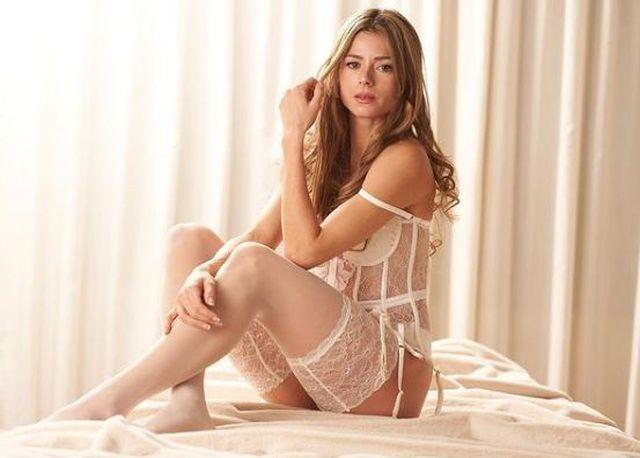 https: img.okezone.com content 2021 02 17 43 2363878 petenis-camila-giorgi-tampil-seksi-dengan-lingerie-putih-pzQ2u6TwT0.JPG