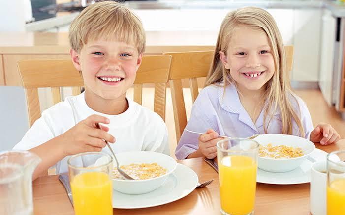 https: img.okezone.com content 2021 02 17 481 2363862 sarapan-momen-penting-penunjang-tumbuh-kembang-anak-RmMpsTS9QP.jpeg