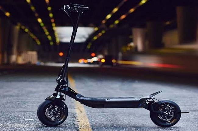 https: img.okezone.com content 2021 02 17 53 2363469 mengenal-rion-re90-skuter-listrik-seharga-mitsubishi-xpander-iFrO9d9Zz7.jpg