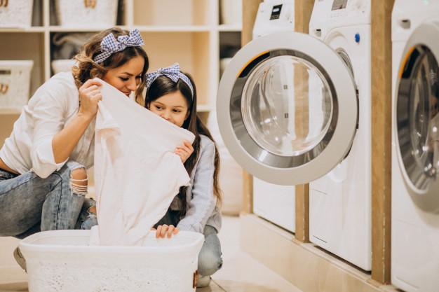 https: img.okezone.com content 2021 02 17 620 2363791 tips-dan-trik-mencuci-pakaian-dengan-benar-seperti-di-laundry-ID2HF522Jv.jpg