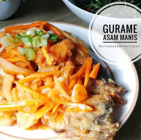 https: img.okezone.com content 2021 02 18 298 2364339 resep-ikan-gurame-asam-manis-hidangan-lezat-untuk-keluarga-tercinta-1naBeQKO5M.jpg