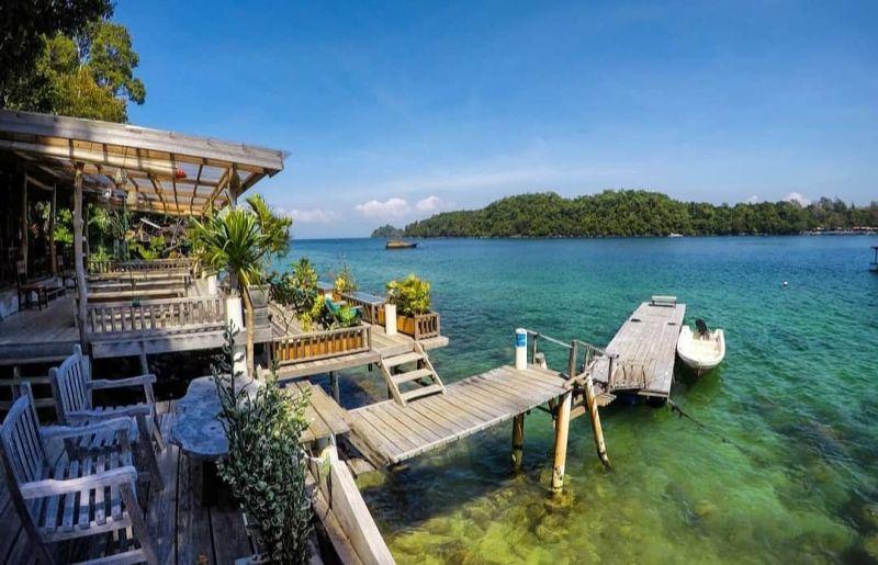 https: img.okezone.com content 2021 02 18 408 2364166 deretan-wisata-pantai-di-aceh-pemandangannya-buat-traveler-terpikat-Vl5aS8dFfw.jpg