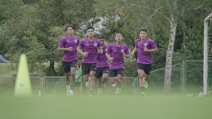 https: img.okezone.com content 2021 02 18 49 2364419 kapolri-beri-izin-keramaian-piala-menpora-sepakbola-indonesia-yang-vakum-1-tahun-bangkit-lagi-mgNOIh6yqx.jpg