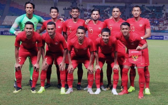 https: img.okezone.com content 2021 02 18 51 2363908 laga-timnas-indonesia-di-kualifikasi-piala-dunia-2022-mundur-RjWnynKb1i.jpg
